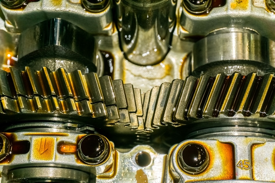 What Are the Different Types of Lubricant Oils that Companies Offer?
